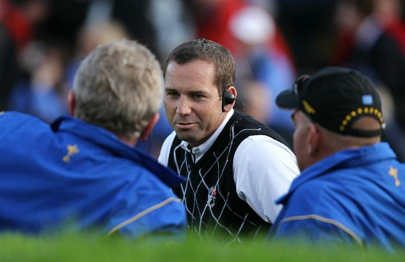 NEWPORT, WALES - OCTOBER 03:  Europe Captain Colin Montgomerie (L) chats with Vice Captain Sergio Garcia during the  Fourball & Foursome Matches during the 2010 Ryder Cup at the Celtic Manor Resort on October 3, 2010 in Newport, Wales.  (Photo by Andy Lyons/Getty Images)