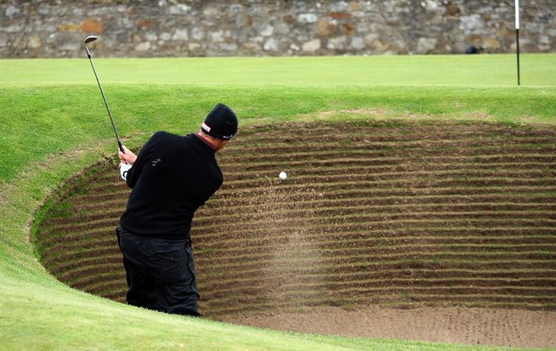 ST.ANDREWS, SCOTLAND - OCTOBER 02:  Soren Hansen of Denmark plays out of the bunker on the 17th green during the second round of The Alfred Dunhill Links Championship at The Old Course on October 2, 2009 in St. Andrews, Scotland.  (Photo by David Cannon/Getty Images