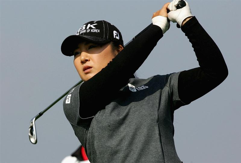 INCHEON, SOUTH KOREA - NOVEMBER 01:  Jeong Jang of South Korea hits her tee shot on the 8th hole during round two of the Hana Bank KOLON Championship at Sky72 Golf Club on November 1, 2008 in Incheon, South Korea.  (Photo by Chung Sung-Jun/Getty Images)