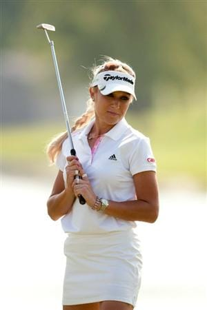 SPRINGFIELD, IL - JUNE 11: Natalie Gulbis watches a putt during the second round of the LPGA State Farm Classic at Panther Creek Country Club on June 11, 2010 in Springfield, Illinois. (Photo by Darren Carroll/Getty Images)