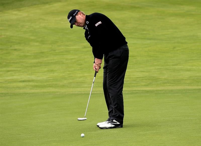PACIFIC PALISADES, CA - FEBRUARY 06:  Steve Stricker putts on the fourth green during the third round of the Northern Trust Open at Riviera Country Club on February 6, 2010 in Pacific Palisades, California.  (Photo by Stephen Dunn/Getty Images)