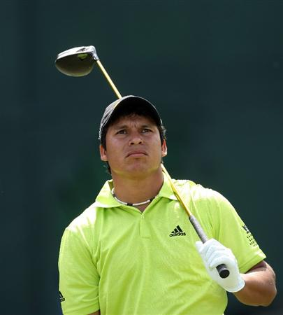 DORAL, FL - MARCH 12: Andres Romero of Argentina tees off at the 2nd hole during the first round of the World Golf Championships-CA Championship at the Doral Golf Resort & Spa on March 12, 2009 in Miami, Florida  (Photo by David Cannon/Getty Images)