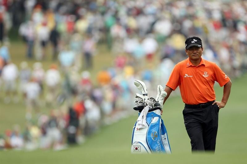 AUGUSTA, GA - APRIL 08:  K.J. Choi of South Korea  waits on the first hole during the second round of the 2011 Masters Tournament at Augusta National Golf Club on April 8, 2011 in Augusta, Georgia.  (Photo by Jamie Squire/Getty Images)