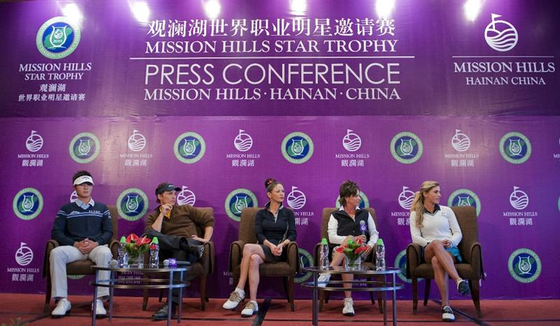 HAIKOU, CHINA - OCTOBER 28:  (L-R) New Zealand golfer Danny Lee, Actor Matthew McConaughey, Actress Catherine Zeta-Jones, Solheim Cup's captain Rosie Jones of the USA and Spanish golfer Belen Mozo attend a press conference during the Mission Hills Star Trophy on October 28, 2010 in Haikou, China. The Mission Hills Star Trophy is Asia's leading leisure liflestyle event and features Hollywood celebrities and international golf stars.  (Photo by Victor Fraile/Getty Images for Mission Hills)