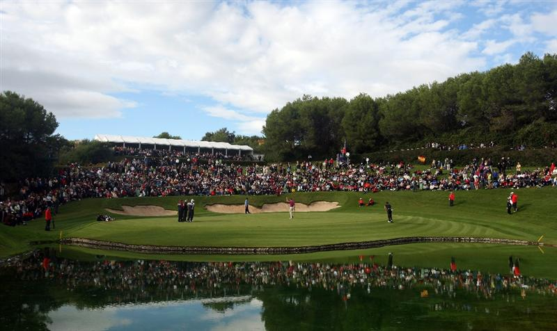SOTOGRANDE, SPAIN - NOVEMBER 02:  The 17th green a Valderrama during the final round of the Volvo Masters at the Valderrama Golf Club on November 2, 2008 in Sotogrande, Spain.  (Photo by Ross Kinnaird/Getty Images)