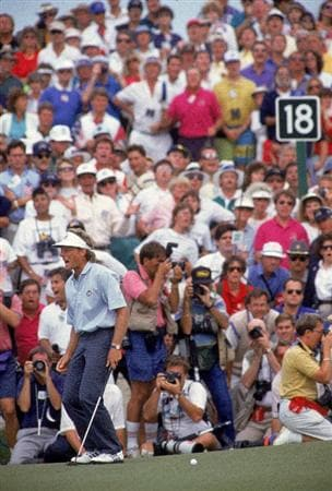 29 Sep 1991:  Agony for Bernhard Langer of the European team as he misses a putt to win his Final Day Singles match in the Ryder Cup at Kiawah Island in South Carolina, USA. Langer halved with Hale Irwin and the USA won by 14.5 to 13.5. \ Mandatory Credit: Rusty Jarrett /Allsport