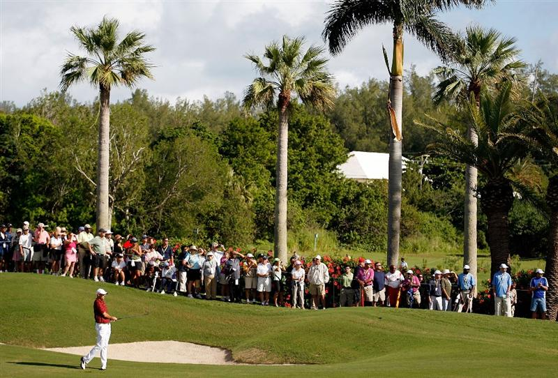 SOUTHAMPTON, BERMUDA - OCTOBER 20:  Stewart Cink hits his second shot on the 1st hole during the first round of the PGA Grand Slam of Golf on October 20, 2009 Port Royal Golf Course in Southampton, Bermuda.  (Photo by Andy Lyons/Getty Images)