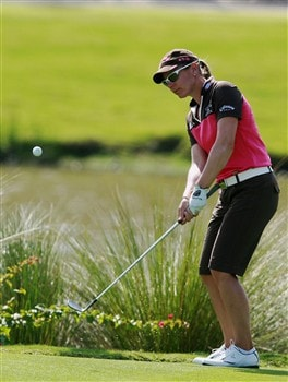AVENTURA, FL - APRIL 25:  Annika Sorenstam hits a chip shot on the 15th hole during the second round of the Stanford International Pro-Am at Fairmont Turnberry Isle Resort & Club on April 25, 2008 in Aventura, Florida.  (Photo by Doug Benc/Getty Images)