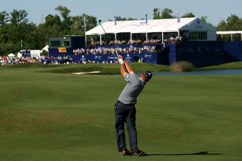AVONDALE, LA - APRIL 25:  Jason Bohn hits his second shot on the 18th hole during the final round of the Zurich Classic at TPC Louisiana on April 25, 2010 in Avondale, Louisiana.  (Photo by Chris Trotman/Getty Images)