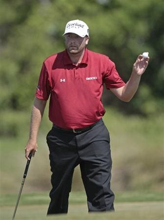 AVONDALE, LA - APRIL 25: Steve Marino waves after making a par on the 16th hole during the third round of the Zurich Classic at TPC Louisiana on April 25, 2009  in Avondale, Louisiana. (Photo by Dave Martin/Getty Images)