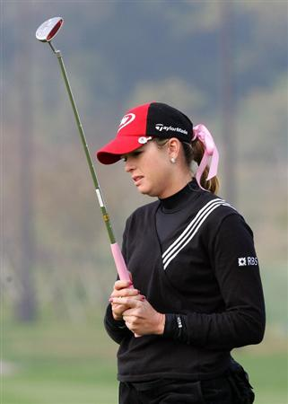 INCHEON, SOUTH KOREA - OCTOBER 31:  Paula Creamer of United States reacts after her putt on the 9th hole during day one of the Hana Bank KOLON Championship at SKY 72 Golf Club Ocean course on October 31, 2008 in Icheon, South Korea.  (Photo by Chung Sung-Jun/Getty Images)