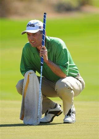 SCOTTSDALE, AZ - OCTOBER 26: Kevin Sutherland lines up a birdie putt on the par three 8th hole during the fourth and final round of  the Fry's.Com Open held at Grayhawk Golf Club on October 26, 2008 in Scottsdale, Arizona. (Photo by Marc Feldman/Getty Images)