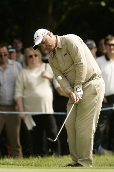 Stephen Dodd chips to the green during the final round of the 2005 BMW Championship at Wentworth Golf Club's West Course. May 29, 2005Photo by Pete Fontaine/WireImage.com