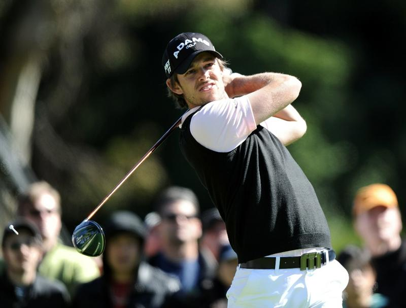 PACIFIC PALISADES, CA - FEBRUARY 20:  Aaron Baddeley of Australia hits a tee shot on the second hole during the fourth round of the Northern Trust Open at the Riviera Country Club on February 20, 2011 in Pacific Palisades, California.  (Photo by Harry How/Getty Images)