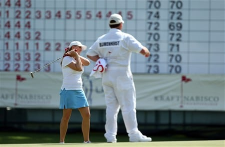RANCHO MIRAGE, CA - APRIL 5:  Amanda Blumenherst (L) just fails for birdie at the 18th hole after her round of 7 under par 65 during the third round of the Kraft Nabisco Championship at the Mission Hills Country Club April 5, 2008 in Rancho Mirage, California.  (Photo by David Cannon/Getty Images)