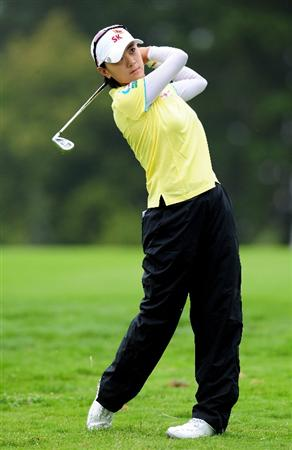 EVIAN-LES-BAINS, FRANCE - JULY 23:  Na Yeon Choi of Korea plays her approach shot on the fifth hole during the first round of the Evian Masters at the Evian Masters Golf Club on July 23, 2009 in Evian-les-Bains, France.  (Photo by Stuart Franklin/Getty Images)