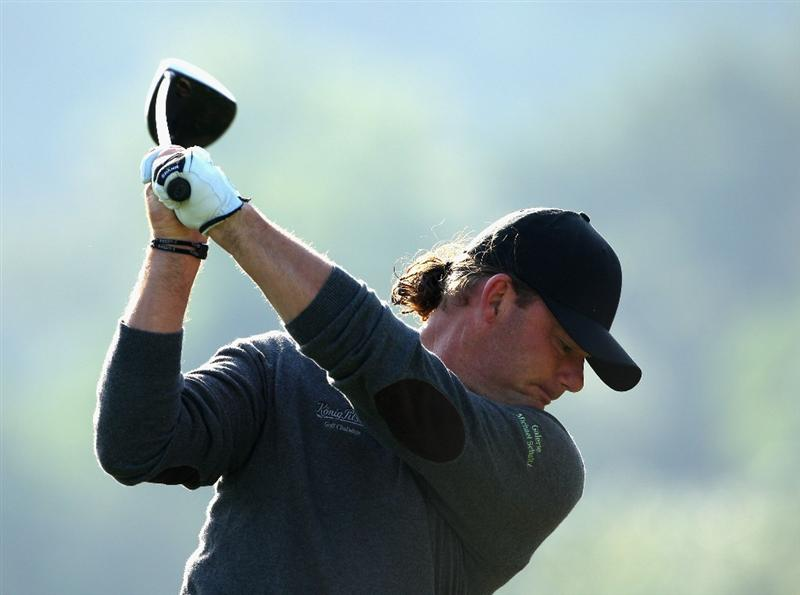 SHENZHEN, CHINA - NOVEMBER 27:  Alex Cejka of Germany plays a tee shot during the first round of the Omega Mission Hills World Cup at the Mission Hills Resort on November 27, 2008 in Shenzhen, China.  (Photo by Stuart Franklin/Getty Images)