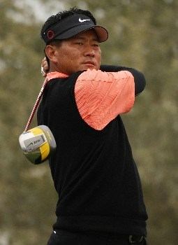 MARANA, AZ - FEBRUARY 22:  K.J. Choi of South Korea hits his tee shot on the 18th hole during the third round matches of the WGC-Accenture Match Play Championship at The Gallery at Dove Mountain on February 22, 2008 in Marana, Arizona.  (Photo by Travis Lindquist/Getty Images)
