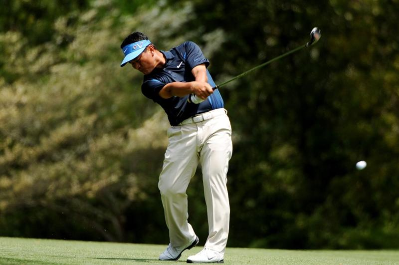 AUGUSTA, GA - APRIL 10:  K.J. Choi of South Korea hits a shot on the 11th hole during the second round of the 2009 Masters Tournament at Augusta National Golf Club on April 10, 2009 in Augusta, Georgia.  (Photo by Harry How/Getty Images)