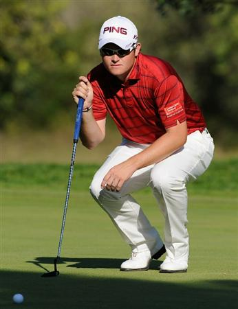 CASTELLON DE LA PLANA, SPAIN - OCTOBER 23:  Gary Boyd of England lines up his putt on the 15th hole during the third round of the Castello Masters Costa Azahar at the Club de Campo del Mediterraneo on October 23, 2010 in Castellon de la Plana, Spain.  (Photo by Stuart Franklin/Getty Images)