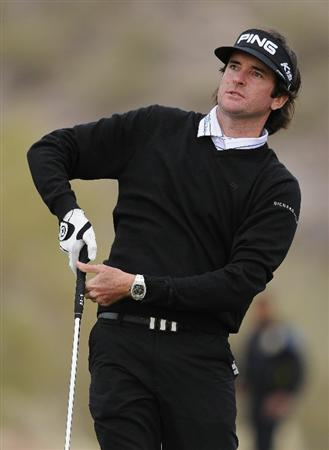MARANA, AZ - FEBRUARY 26:  Bubba Watson reacts to his tee shot on the 16th hole during the semifinal round of the Accenture Match Play Championship at the Ritz-Carlton Golf Club on February 26, 2011 in Marana, Arizona.  (Photo by Stuart Franklin/Getty Images)