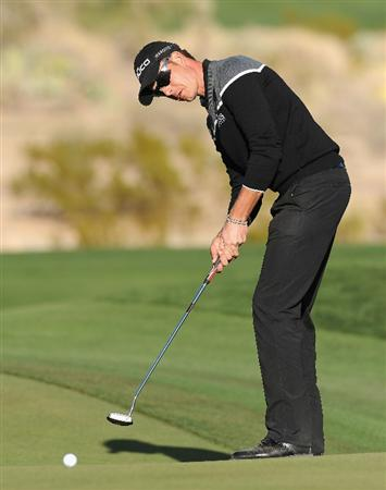 MARANA, AZ - FEBRUARY 23:  Henrik Stenson of Sweden putting on the 16th hole during the first round of the World Golf Championships-Accenture Match Play Championship held at The Ritz-Carlton Golf Club, Dove Mountain on February 23, 2011 in Marana, Arizona.  (Photo by Stuart Franklin/Getty Images)