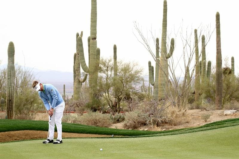 MARANA, AZ - FEBRUARY 26:  Luke Donald putts to win his match against Ryan Moore (not pictured) on the 14th hole during the quarterfinal round of the Accenture Match Play Championship at the Ritz-Carlton Golf Club on February 26, 2011 in Marana, Arizona.  (Photo by Andy Lyons/Getty Images)