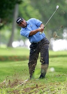 Angel Cabrerra hits his second shot on the 12th hole during the first round of the Sony Open at the Waialae Country Club on January 10, 2008 in Honolulu, Oahu, Hawaii. PGA TOUR - 2008 Sony Open in Hawaii - First RoundPhoto by Jonathan Ferrey/WireImage.com