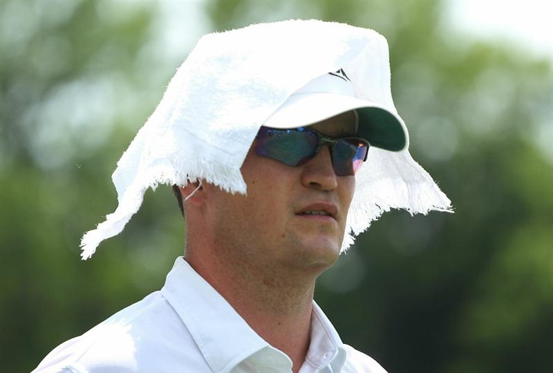 FT. WORTH, TX - MAY 30:   Zach Johnson walks off the 11th tee during the final round of the 2010 Crowne Plaza Invitational at the Colonial Country Club on May 30, 2010 in Ft. Worth, Texas.  (Photo by Scott Halleran/Getty Images)