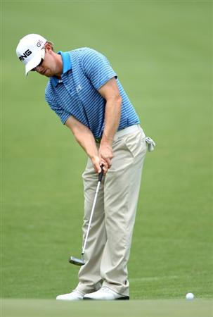 PONTE VEDRA BEACH, FL - MAY 06:  Hunter Mahan putts on the second hole during the first round of THE PLAYERS Championship held at THE PLAYERS Stadium course at TPC Sawgrass on May 6, 2010 in Ponte Vedra Beach, Florida.  (Photo by Scott Halleran/Getty Images)