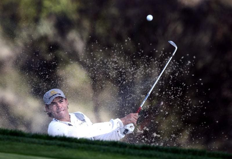 LA JOLLA, CA - FEBRUARY 08: Camilo Villegas of Columbia hits out of the 16th green bunker during the Final Round of the Buick Invitational at the Torrey Pines North Course on February 8, 2009 in La Jolla, California. (Photo by Donald Miralle/Getty Images)