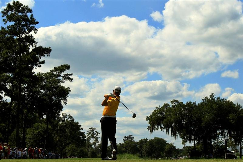 PONTE VEDRA BEACH, FL - MAY 15:  David Toms hits his tee shot on the ninth hole during the final round of THE PLAYERS Championship held at THE PLAYERS Stadium course at TPC Sawgrass on May 15, 2011 in Ponte Vedra Beach, Florida.  (Photo by Streeter Lecka/Getty Images)