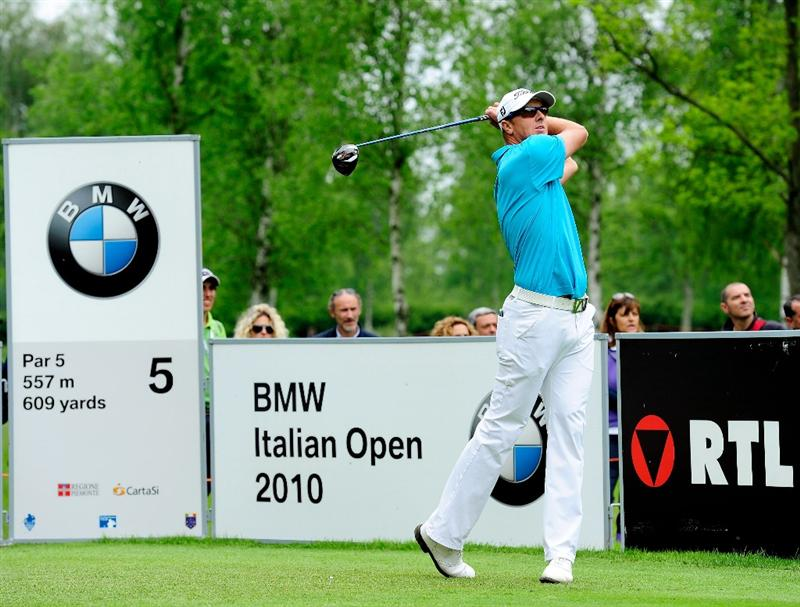 TURIN, ITALY - MAY 09:  Fredrik Andersson Hed of Sweden plays his tee shot on the fifth hole during the final round of the BMW Italian Open at Royal Park I Roveri on May 9, 2010 in Turin, Italy.  (Photo by Stuart Franklin/Getty Images)