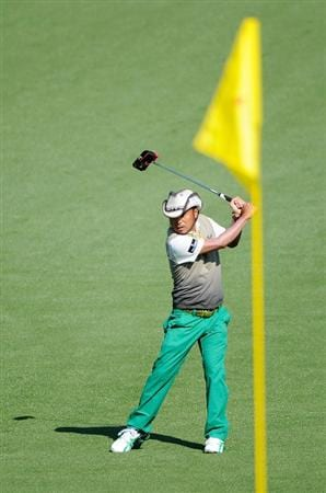 AUGUSTA, GA - APRIL 09:  Shingo Katayama of Japan swings his putter around on the second hole during the first round of the 2009 Masters Tournament at Augusta National Golf Club on April 9, 2009 in Augusta, Georgia.  (Photo by Harry How/Getty Images)