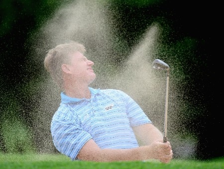 SUN CITY, SOUTH AFRICA - NOVEMBER 28:  Ernie Els of South Africa plays out of a bunker during the pro am event prior to the Nedbank Golf on the Gary Player Course on November 28, 2007 in Sun City, South Africa  (Photo by Ross Kinnaird/Getty Images)