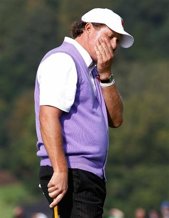 NEWPORT, WALES - OCTOBER 02:  Phil Mickelson of the USA reacts to a missed putt during the rescheduled Afternoon Foursome Matches during the 2010 Ryder Cup at the Celtic Manor Resort on October 2, 2010 in Newport, Wales.  (Photo by Sam Greenwood/Getty Images)