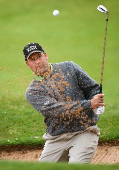 MADEIRA, PORTUGAL - MARCH 23:  John Bickerton of England plays a bunker shot during the final round of the Madeira Islands Open BPI 2008 at Clube De Golf Santo Da Serra on March 23, 2008 in Madeira, Portugal.  (Photo by Ryan Pierse/Getty Images)