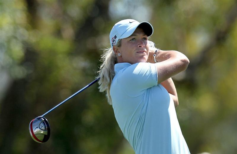 RANCHO MIRAGE, CA - APRIL 01:  Suzann Pettersen of Norway hits her tee shot on the third hole during the first round of the Kraft Nabisco Championship at Mission Hills Country Club on April 1, 2010 in Rancho Mirage, California.  (Photo by Stephen Dunn/Getty Images)