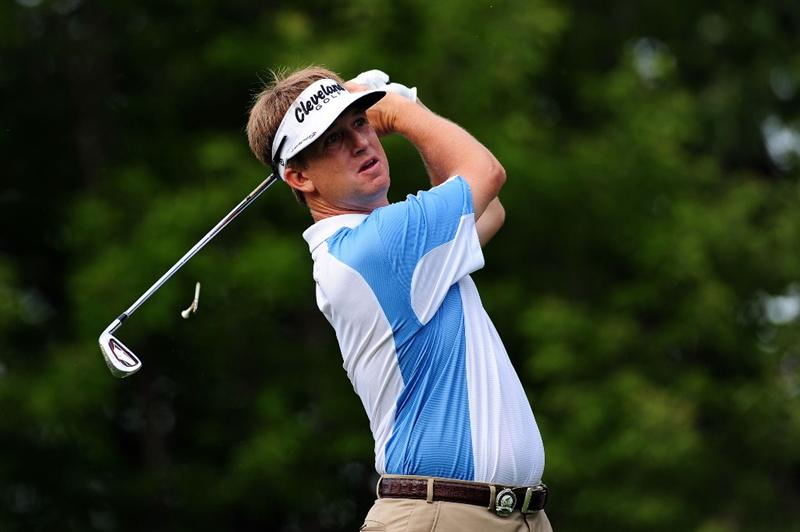 CHASKA, MN - AUGUST 13:  David Toms hits his tee shot on the 17th hole during the first round of the 91st PGA Championship at Hazeltine National Golf Club on August 13, 2009 in Chaska, Minnesota.  (Photo by Stuart Franklin/Getty Images)