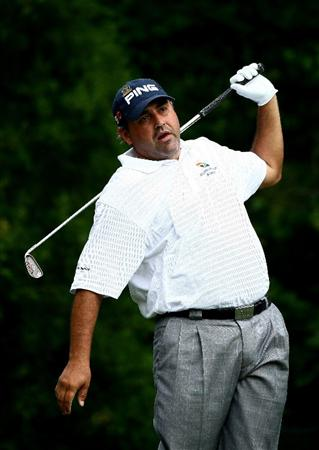 FARMINGDALE, NY - JUNE 20:  Angel Cabrera of Argentina reacts to his tee shot on the 11th hole during the continuation of the second round of the 109th U.S. Open on the Black Course at Bethpage State Park on June 20, 2009 in Farmingdale, New York.  (Photo by Chris McGrath/Getty Images)