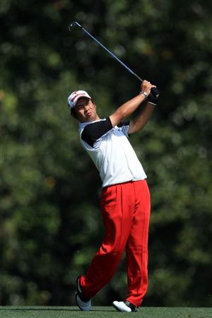 AUGUSTA, GA - APRIL 09:  Yuta Ikeda of Japan plays a shot on the fifth hole during the second round of the 2010 Masters Tournament at Augusta National Golf Club on April 9, 2010 in Augusta, Georgia.  (Photo by David Cannon/Getty Images)