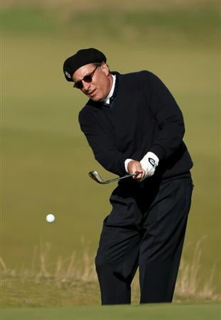 KINGSBARNS, SCOTLAND - OCTOBER 07:  Hollywood film actor Andy Garcia chips onto the seventh green  during the first round of The Alfred Dunhill Links Championship at Kingsbarns Golf Links on October 7, 2010 in Kingsbarns, Scotland.  (Photo by Andrew Redington/Getty Images)
