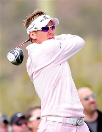 MARANA, AZ - FEBRUARY 21:  Ian Poulter of England plays his tee shot on the 15th hole during the final round of the Accenture Match Play Championship at the Ritz-Carlton Golf Club at  on February 21, 2010 in Marana, Arizona.  (Photo by Stuart Franklin/Getty Images)