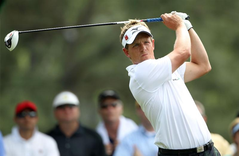 AUGUSTA, GA - APRIL 08:  Luke Donald of England  watches his tee shot on the 18th hole during the second round of the 2011 Masters Tournament at Augusta National Golf Club on April 8, 2011 in Augusta, Georgia.  (Photo by Jamie Squire/Getty Images)