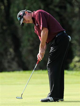 CASTELLON DE LA PLANA, SPAIN - OCTOBER 23:  Paul Lawrie of  Scotland putting on the third hole during the third round of the Castello Masters Costa Azahar at the Club de Campo del Mediterraneo on October 23, 2010 in Castellon de la Plana, Spain.  (Photo by Stuart Franklin/Getty Images)