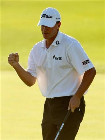 LA QUINTA, CA - JANUARY 24:  Steve Stricker pumps his fist after making a birdie putt on the 18th hole during the fourth round of the Bob Hope Chrysler Classic at the Nicklaus Course at PGA West on January 24, 2009 in La Quinta, California.  (Photo by Jeff Gross/Getty Images)