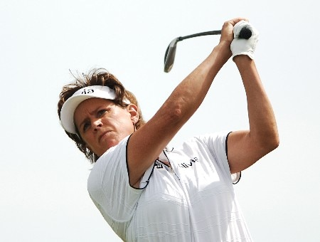 Rosie Jones hits from the fourth tee during the final round of the LPGA's 2005 Kraft Nabisco Championship, at Mission Hills Country Club in Rancho Mirage, California March 27, 2005.