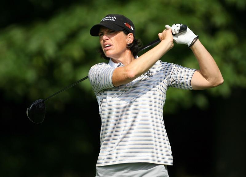 HAVRE DE GRACE, MD - JUNE 12:  Juli Inkster hits her tee shot on the 4th hole during the second round of the McDonald's LPGA Championship at Bulle Rock Golf Course on June 12, 2009 in Havre de Grace, Maryland.  (Photo by Andy Lyons/Getty Images)