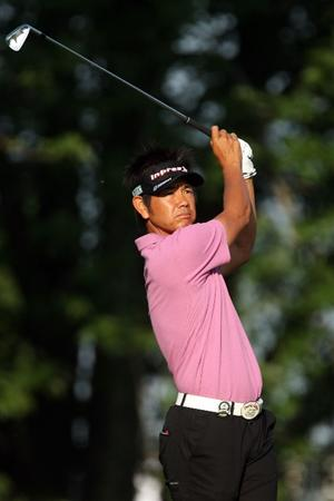 CHASKA, MN - AUGUST 13:  Hiroyuki Fujita of Japan watches his approach shot on the tenth hole during the first round of the 91st PGA Championship at Hazeltine National Golf Club on August 13, 2009 in Chaska, Minnesota.  (Photo by David Cannon/Getty Images)
