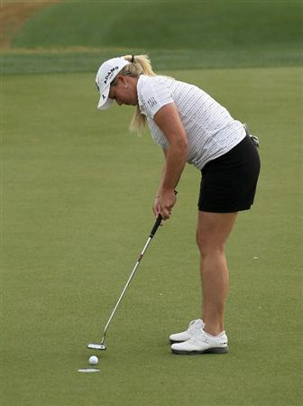 PHOENIX, AZ - MARCH 19:  Brittany Lincicome makes a birdie putt on the 11th hole during the second round of the RR Donnelley LPGA Founders Cup at Wildfire Golf Club on March 19, 2011 in Phoenix, Arizona.  (Photo by Stephen Dunn/Getty Images)